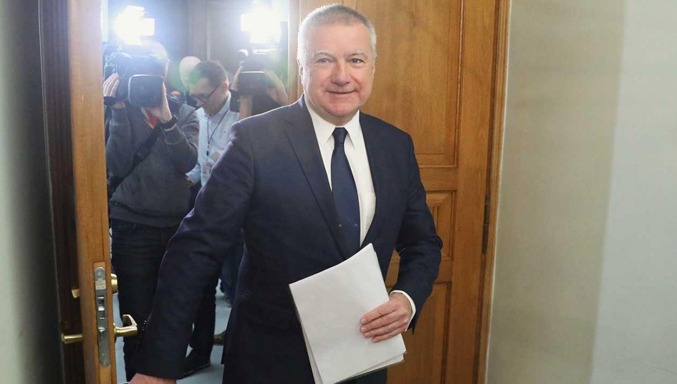 Były sekretarz stanu w Kancelarii Prezesa Rady Ministrów Paweł Graś przed przesłuchaniem (fot. PAP/Tomasz Gzell)