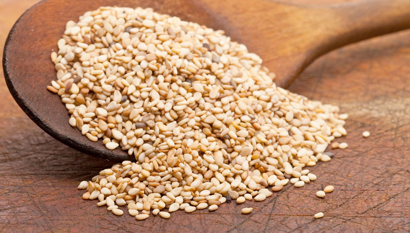 Spożycie produktu wiąże się z ryzykiem zatrucia pokarmowego (fot. Shutterstock/ Shawn Hempel)