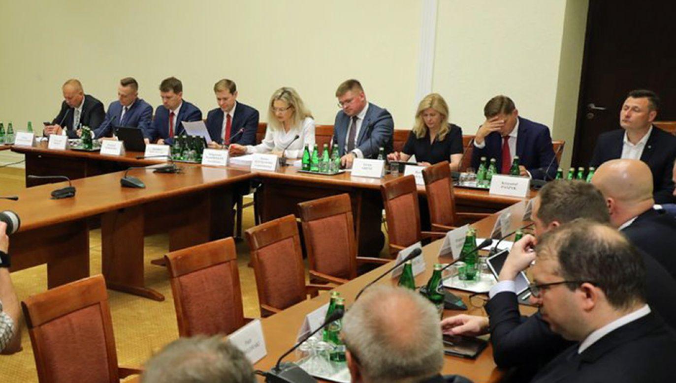 Posiedzenie komisji śledczej ds. Amber Gold (fot. TT/Kancelaria Sejmu)