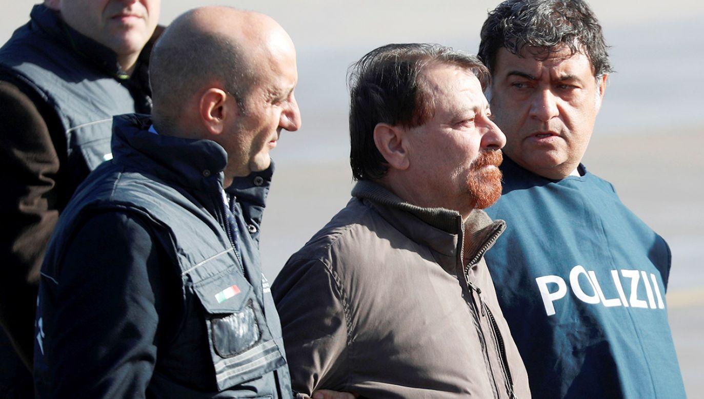 Cesare Battisti podczas zatrzymania (fot. REUTERS/Max Rossi)