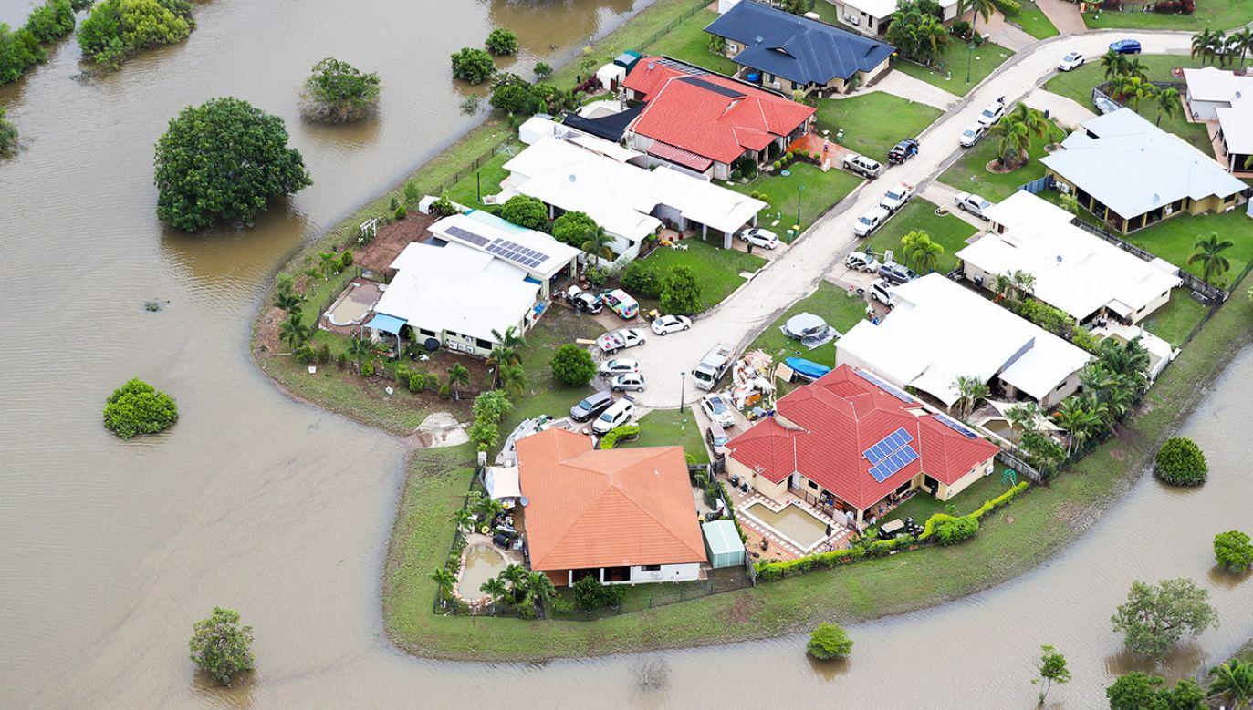 W powodzi zginęły dwie osoby (fot. PAP/EPA/DAVE ACREE)