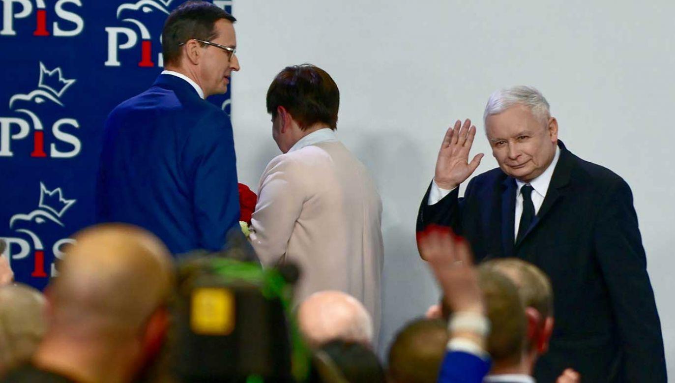 Według sondaży IPSOS Prawo i Sprawiedliwość zdobywa 24 mandaty w Parlamencie Europejskim (fot. PAP/Jakub Kamiński)
