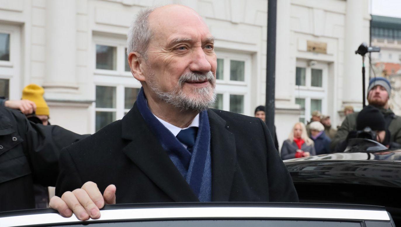 Szef MON Antoni Macierewicz (fot. PAP/Paweł Supernak)